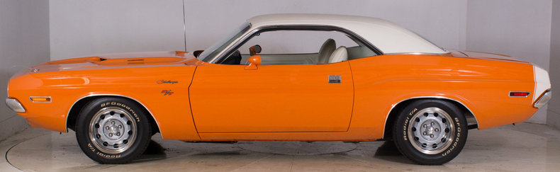 1970 Dodge Challenger Image 12