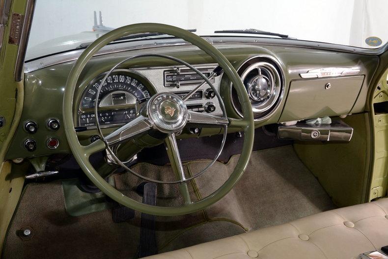 1953 Pontiac Chieftain Image 2