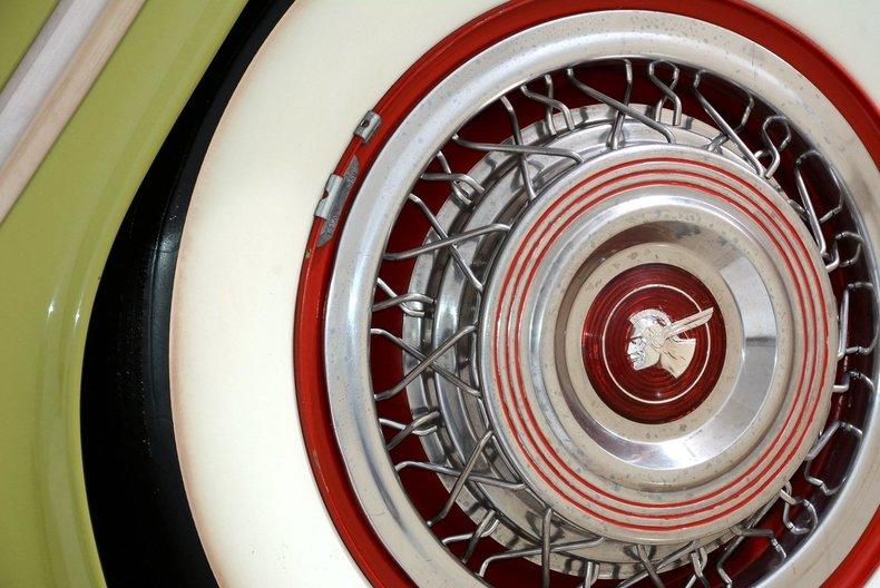 1953 Pontiac Chieftain Image 20
