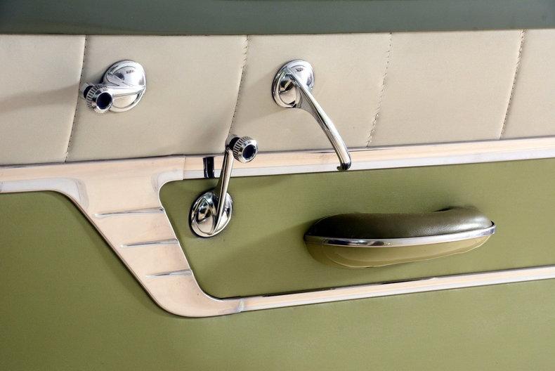1953 Pontiac Chieftain Image 61
