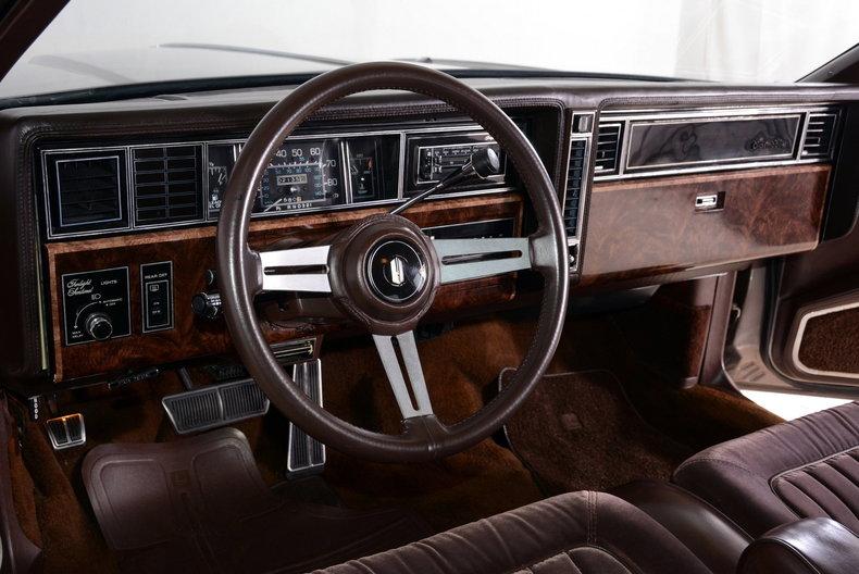 1983 Oldsmobile Toronado Image 2