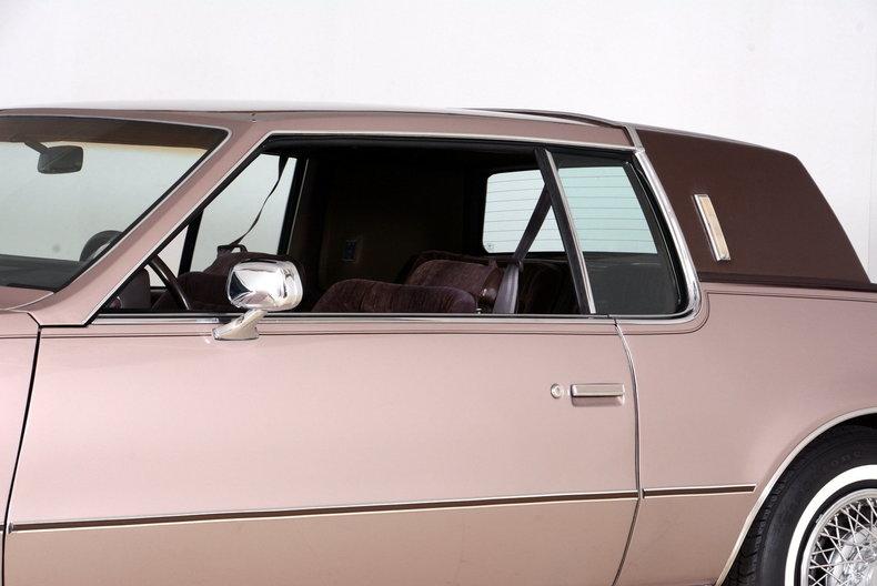 1983 Oldsmobile Toronado Image 27