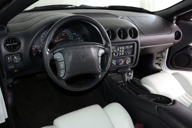 1994 Pontiac Trans Am Image 2