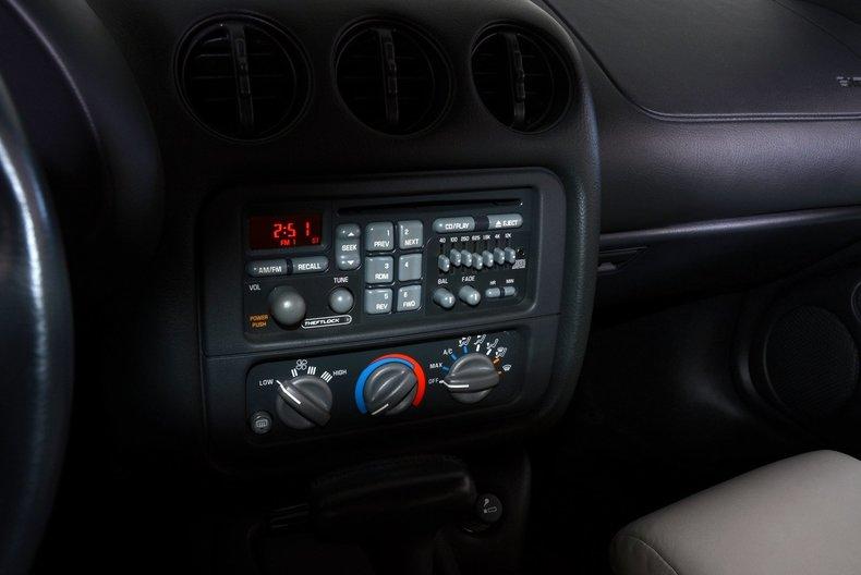 1994 Pontiac Trans Am Image 10