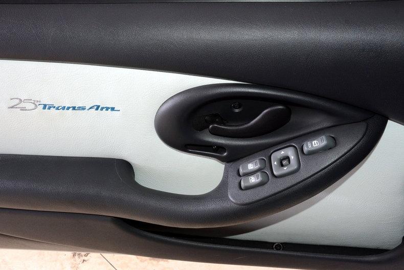 1994 Pontiac Trans Am Image 16