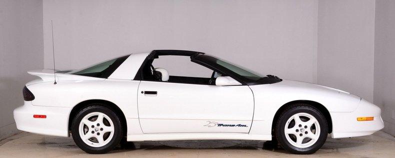 1994 Pontiac Trans Am Image 17