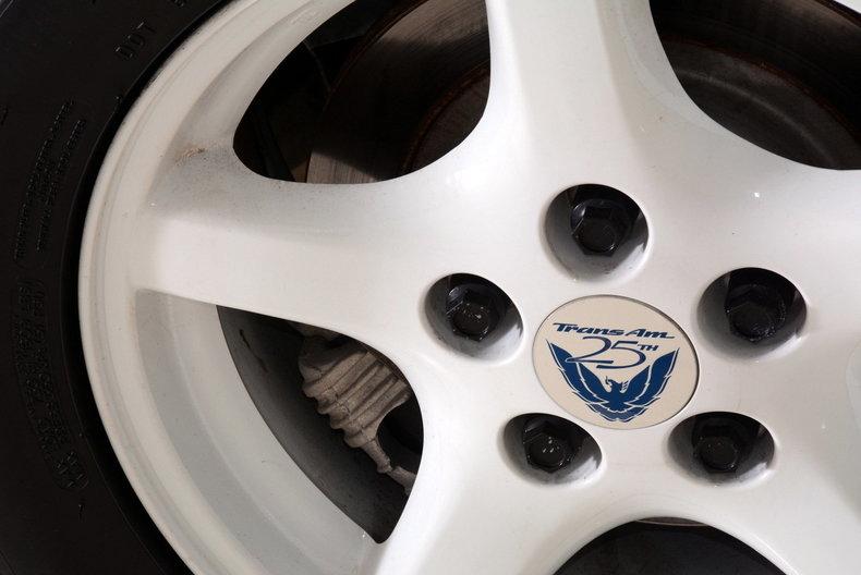 1994 Pontiac Trans Am Image 21