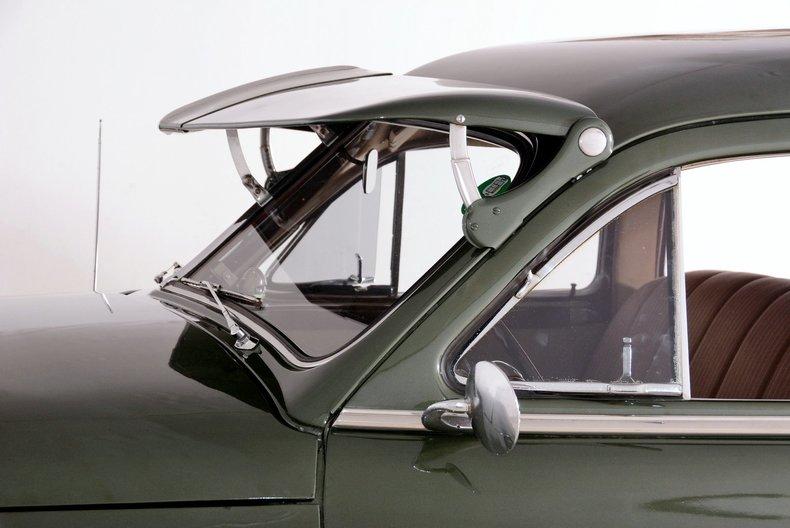 1950 Packard Deluxe Image 30
