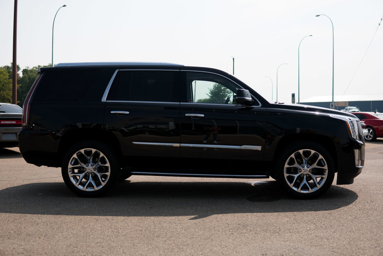 2016 cadillac escalade luxury awd nhl celebrity owned for sale 67033 mcg. Black Bedroom Furniture Sets. Home Design Ideas