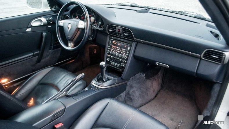 11387340b1126 low res 2009 porsche 911 2dr cabriolet carrera