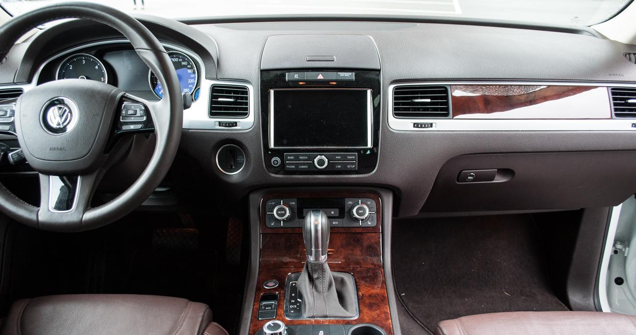 2014 Volkswagen Touareg | Autoform