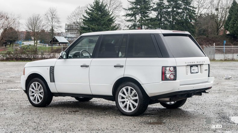 117938783998b low res 2011 land rover range rover supercharged