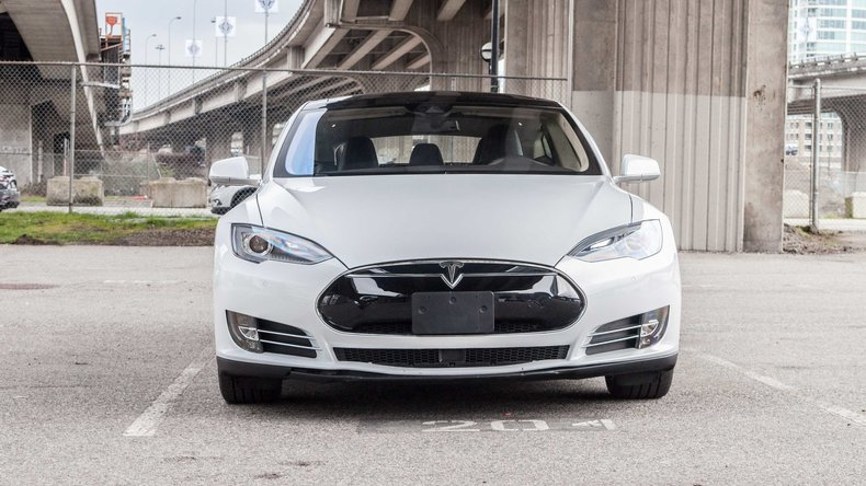 12215dc7def8f low res 2015 tesla model s 85d