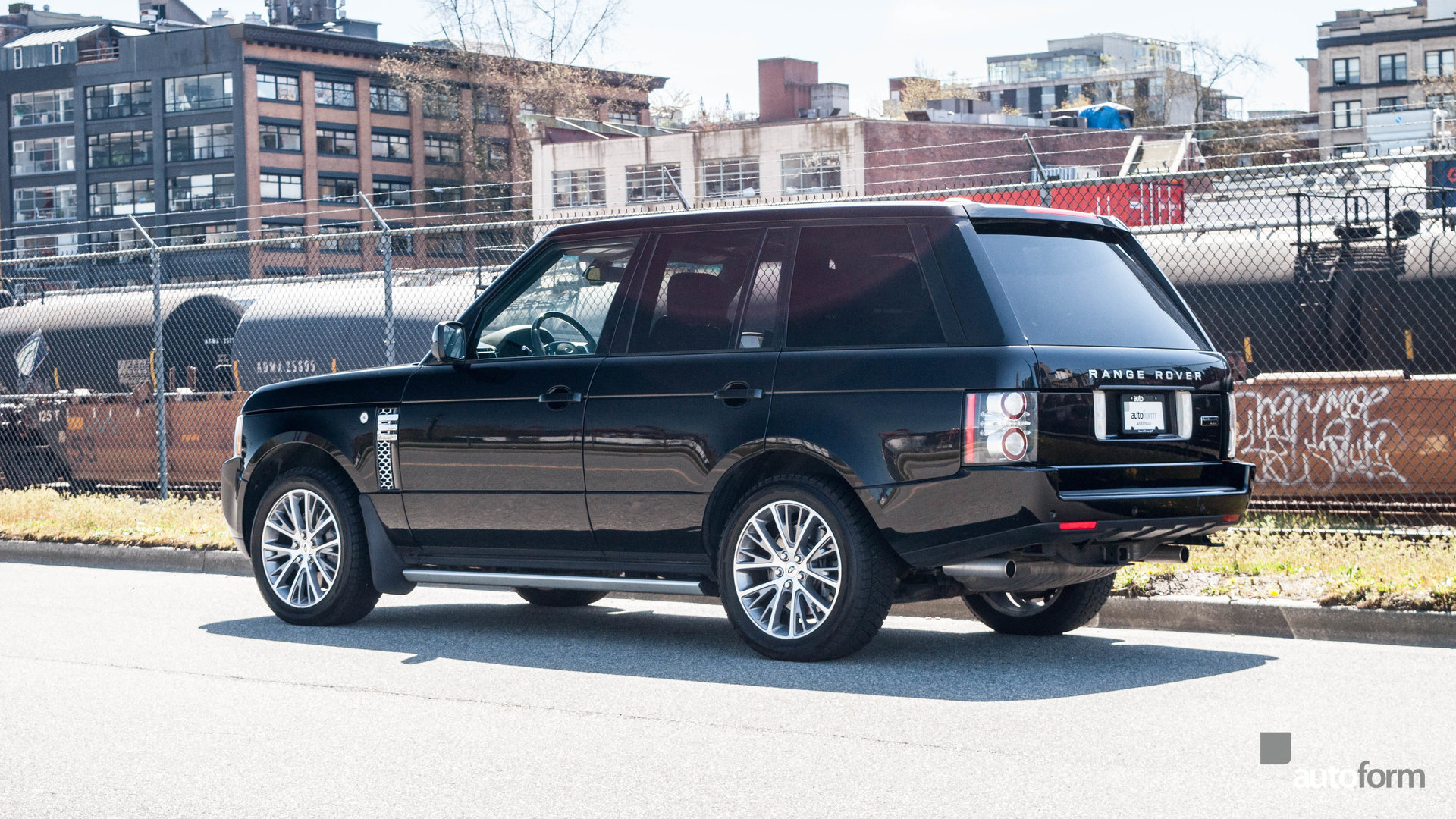 2011 land rover range rover autobiography black for sale for Land rover tarbes garage moderne
