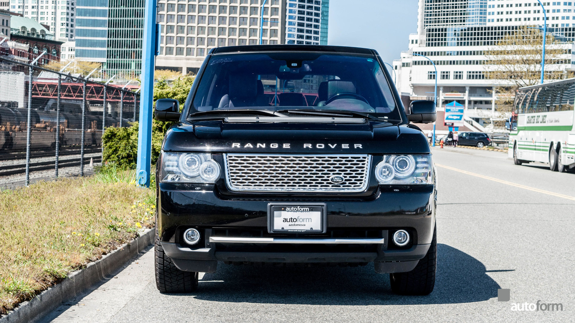 https://dealeraccelerate-all.s3.amazonaws.com/af/images/1/2/0/0/1200/13064eab61369_hd_2011-land-rover-range-rover-autobiography-black.jpg