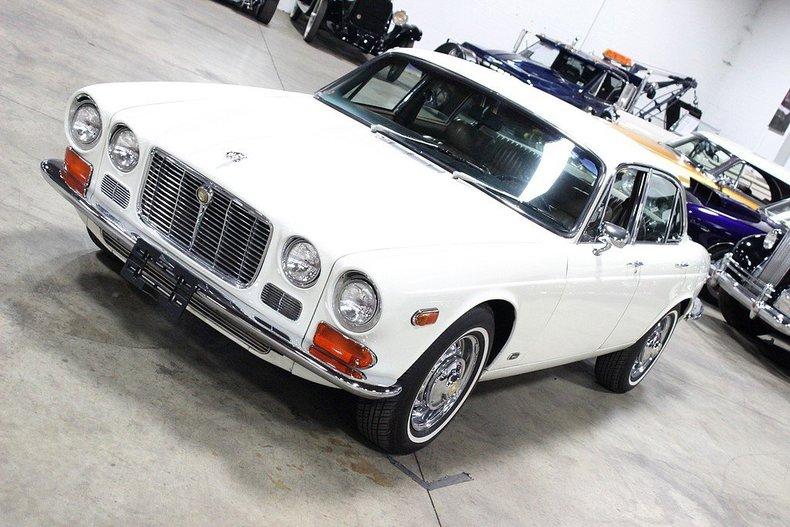 1972 Jaguar XJ6   GR Auto Gallery