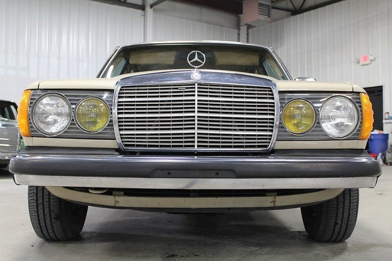 1982 Mercedes Benz 240d Gr Auto Gallery