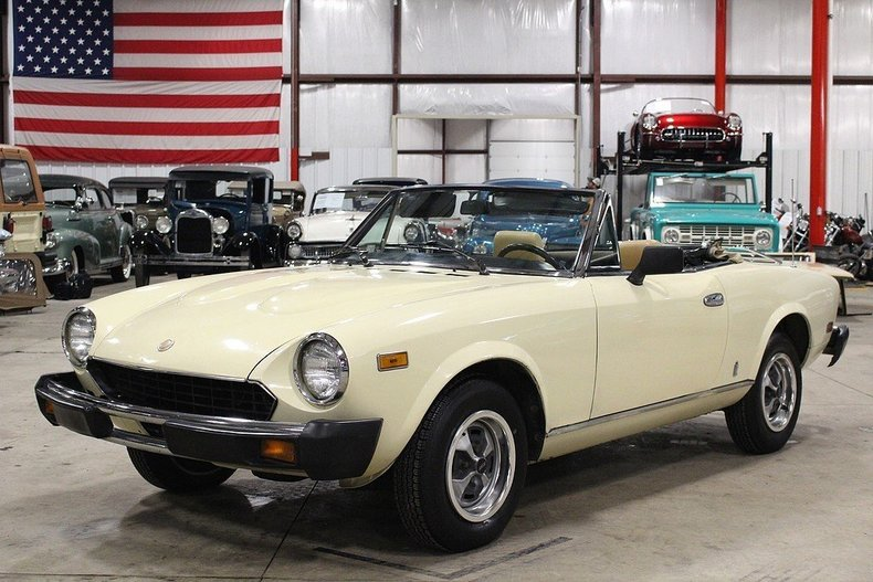 1979 fiat pininfarina spider 2000