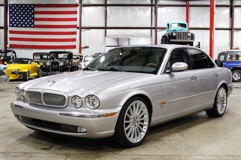 410485b6da4ea4 low res 2005 jaguar xjr