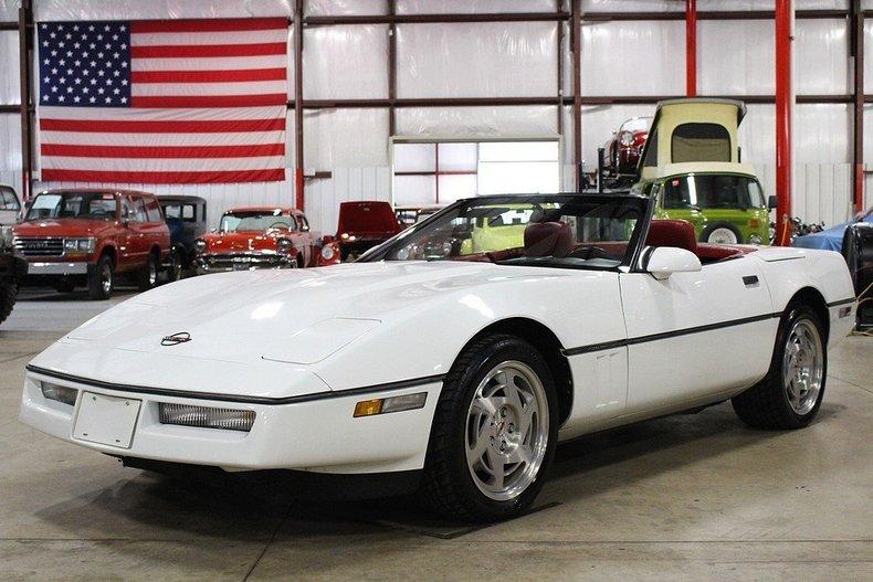 4438522fcbd227 low res 1990 chevrolet corvette