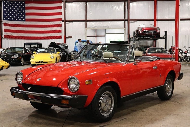 490651e094c0d0 low res 1978 fiat spider