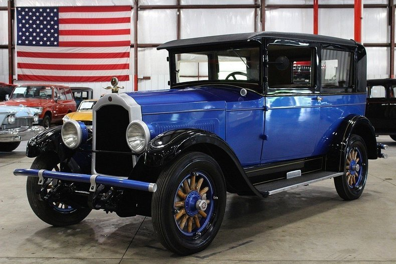 4508828efb7585 low res 1927 willys knight model 70a