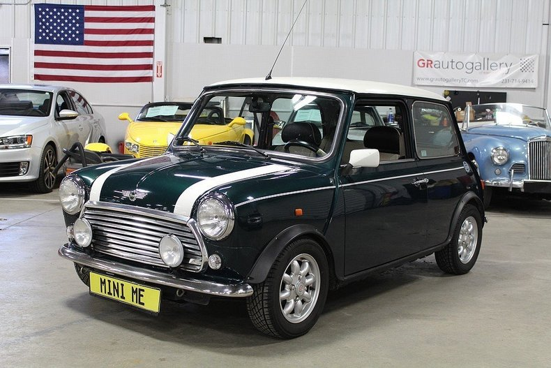 4556680339c713 low res 1967 austin mini