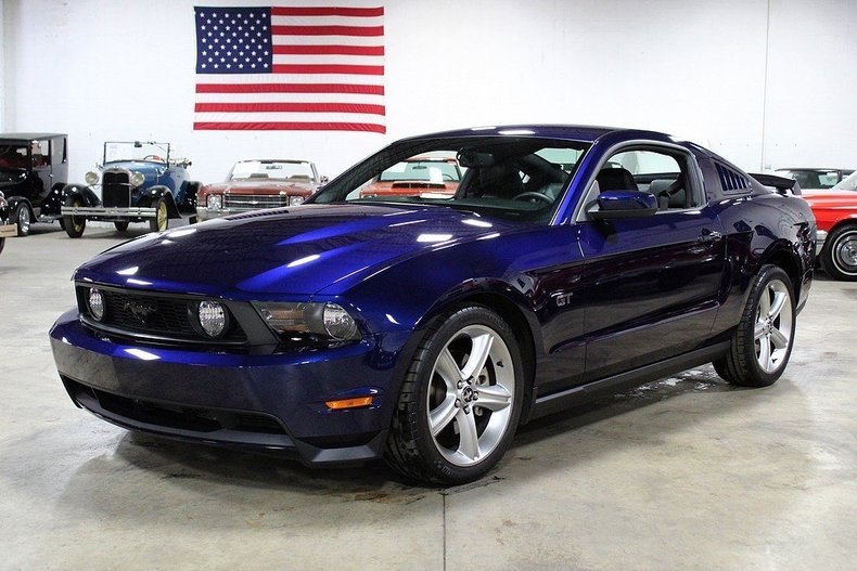 455722a1318e52 low res 2010 ford mustang