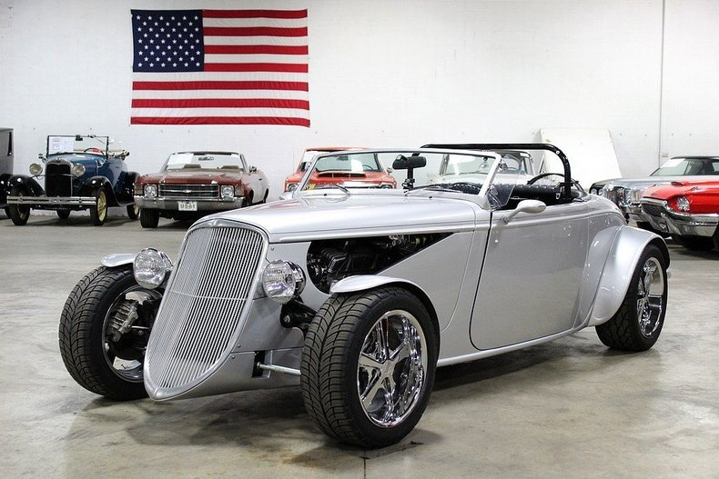 459069d94f9539 low res 1933 factory five roadster