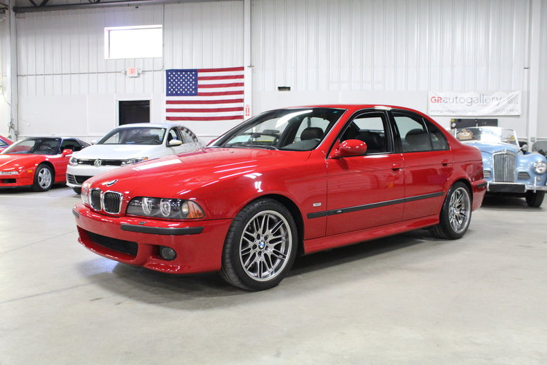 4564377f774951 low res 2002 bmw m5
