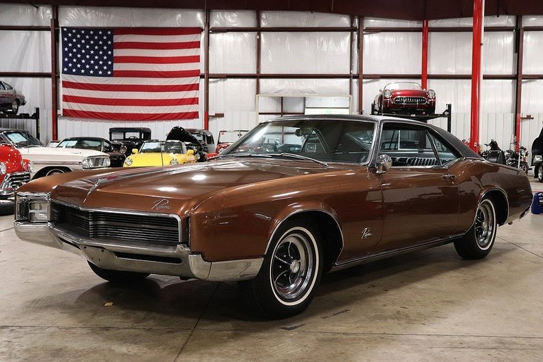 5003216085a1aa low res 1967 buick riviera