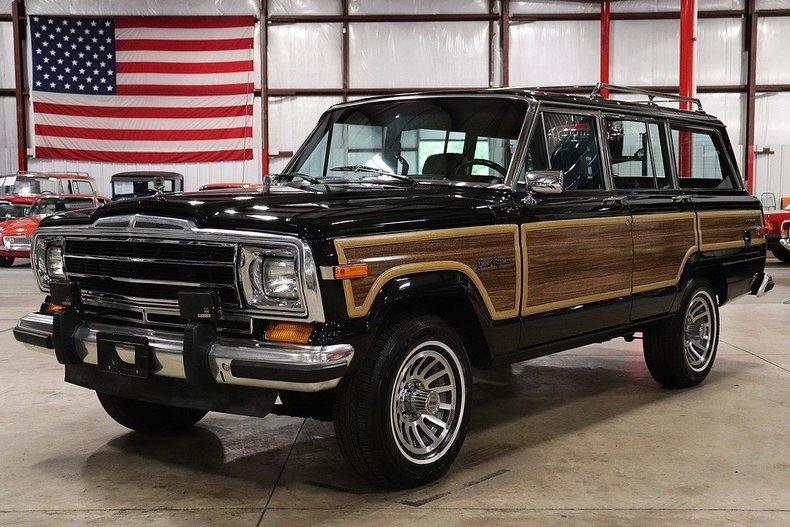 4639007b2a9343 low res 1989 jeep wagoneer