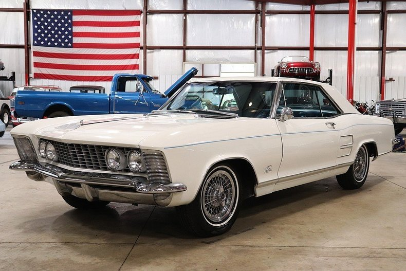 46763368bc28c6 low res 1964 buick riviera