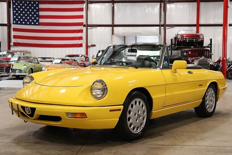 471010d76f641b low res 1992 alfa romeo spider