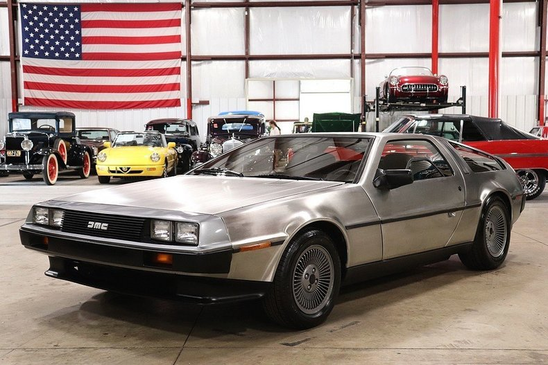 48768920ec3378 low res 1981 delorean dmc 12