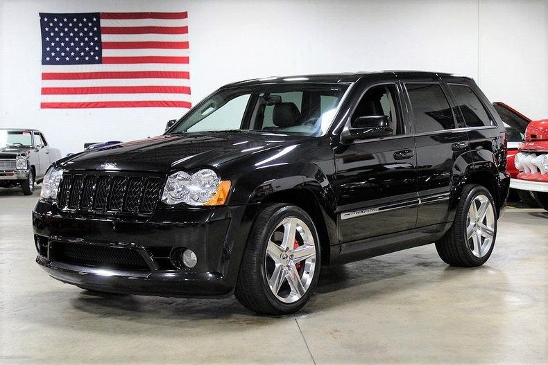 4746508bf2ce8d low res 2010 jeep cherokee srt8