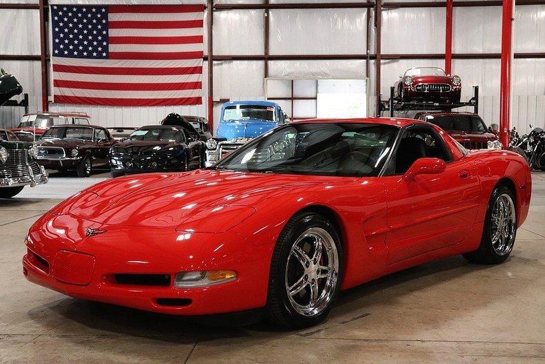 4781344b81ca81 low res 2004 chevrolet corvette
