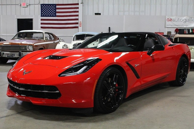 488862e259bc79 low res 2014 chevrolet corvette