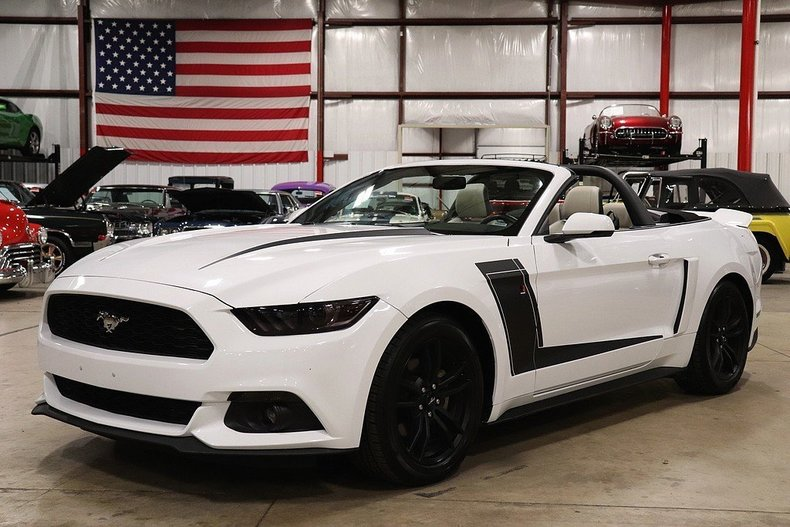 5074221c198f11 low res 2017 ford mustang