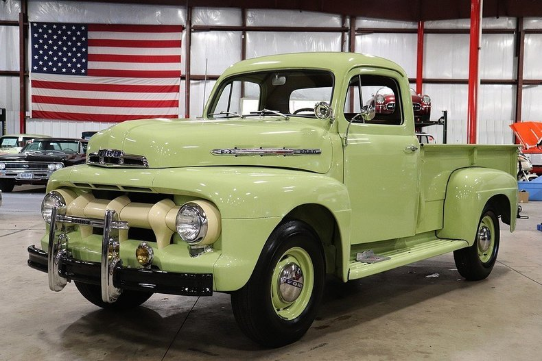 513055d23e967e low res 1951 ford f2