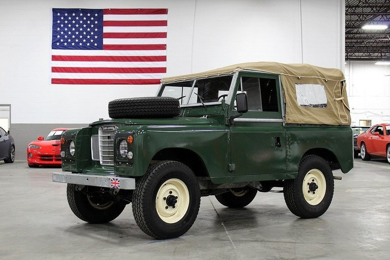 511616c659c3c8 low res 1975 land rover defender