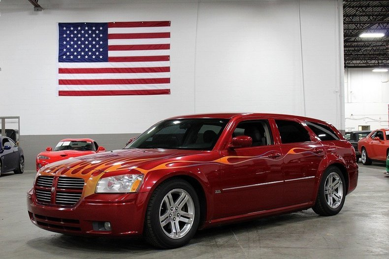 5254683ac1c68b low res 2005 dodge magnum