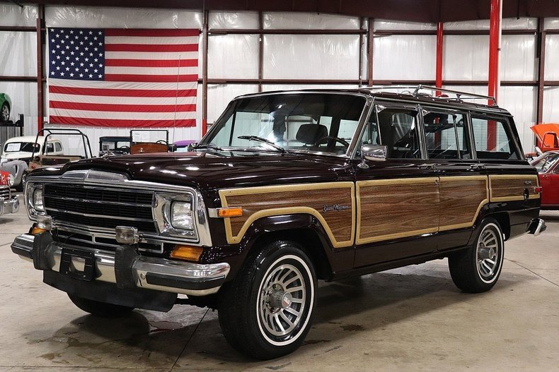 518836d01841e3 low res 1990 jeep grand wagoneer
