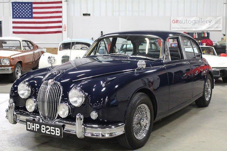 5221127f753845 low res 1965 jaguar 3 8s