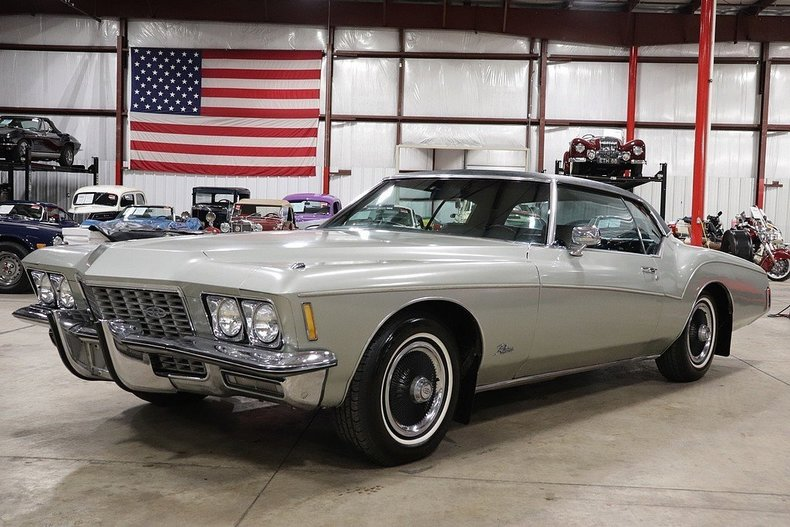 5261180c76236b low res 1972 buick riviera
