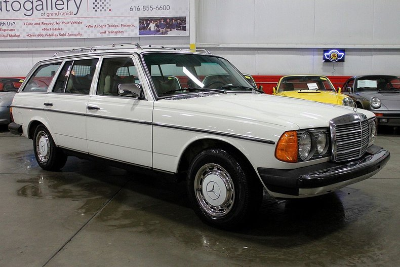 1979 mercedes benz 300td gr auto gallery for Mercedes benz grand rapids