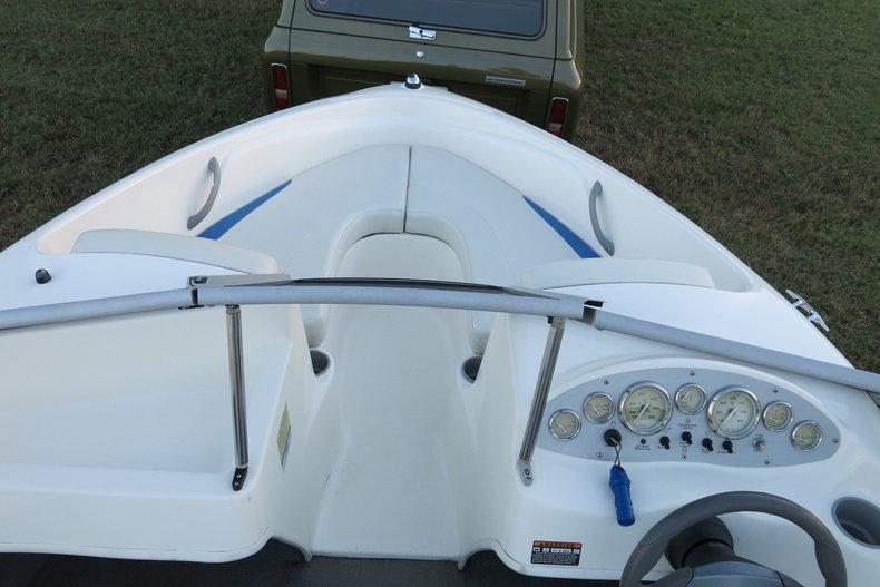 Bayliner Vehicle