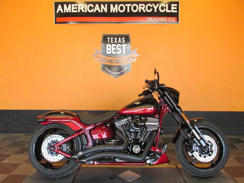 2017 Harley-Davidson CVO Softail Pro-street Breakout