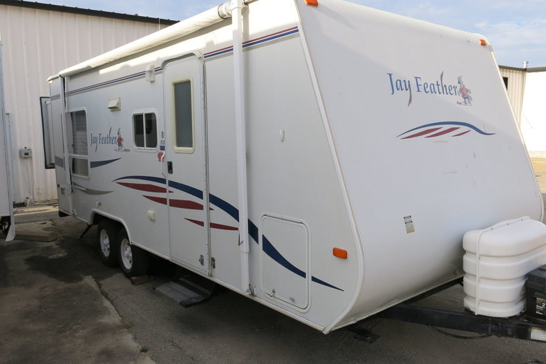 2007 Jayco Jay Feather 213 front bunk house