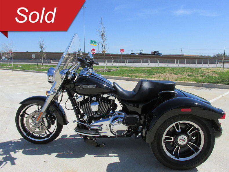 2015 harley davidson freewheeler trike flrt for sale 80583 mcg. Black Bedroom Furniture Sets. Home Design Ideas